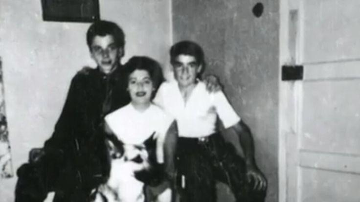 Ian Brady con su madre Peggy