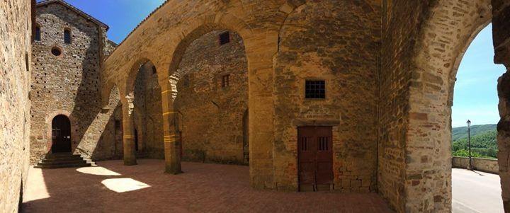 Abbazia di Badia Petroia - www.infoaltaumbria.it