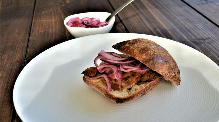 Pulled pork med marinert løk (Cochinita Pibil) – Meksikansk Mat
