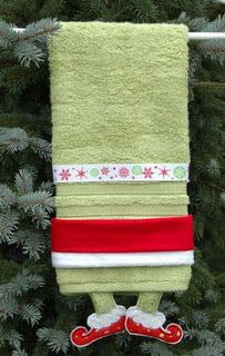 Holiday Towels - OMG, how cute is this??? (embroiderygarden.blogspot.com)