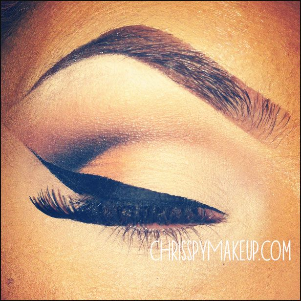 Cinnamon Cut Crease — CHRISSPY MAKEUP. This girl knows what's up. Best makeup application I've seen ever!!!legit
