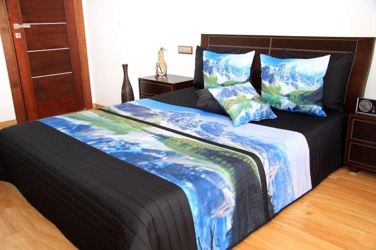 Přehoz na postel černé barvy s motivem hor