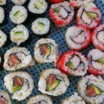 En vanavond eten we Zelfgemaakte sushi Superleuke sushiworkshop gehad vanmiddag bij restauranttaoIn Enschede En nu heerlijk genieten van het resultaat sushi instafood fgrams onthetable eeeeats getinmybelly wewv