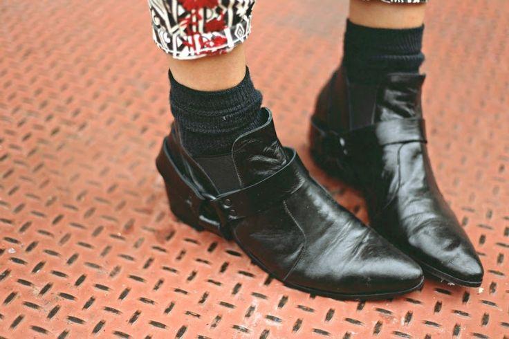Black boots/black socks
