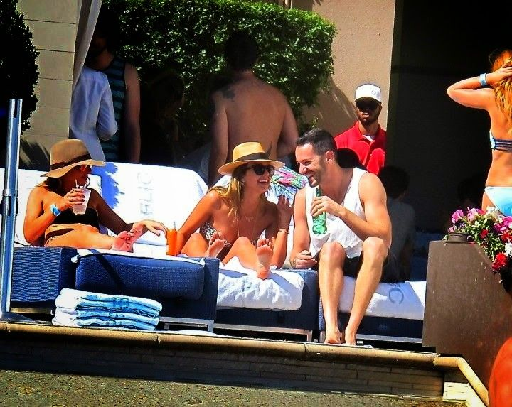 Jessica Alba was snapping to enjoying her 33th birthday on Saturday, May 10, 2014.at Las Vegas with the son of actor, Michael Warren and several friends.
