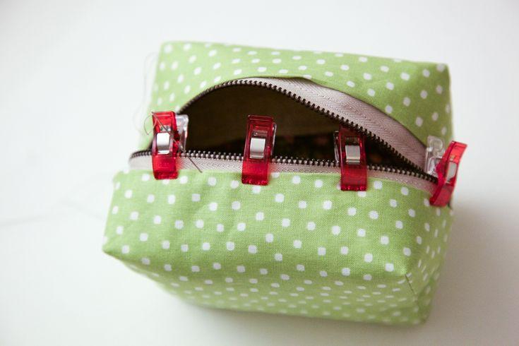 Block zipper pouch | Minki's Work Table