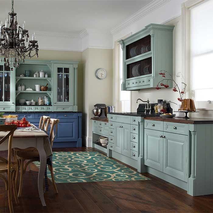 Küche Landhausstil, Küche, Grüne Küchenschränke