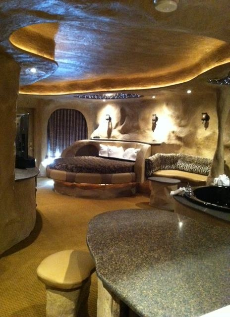 The Newest Fantasy Suite In Galena Il Crystal Cave Sutie At Best Western Lodging Receptions Pinterest And Vacation