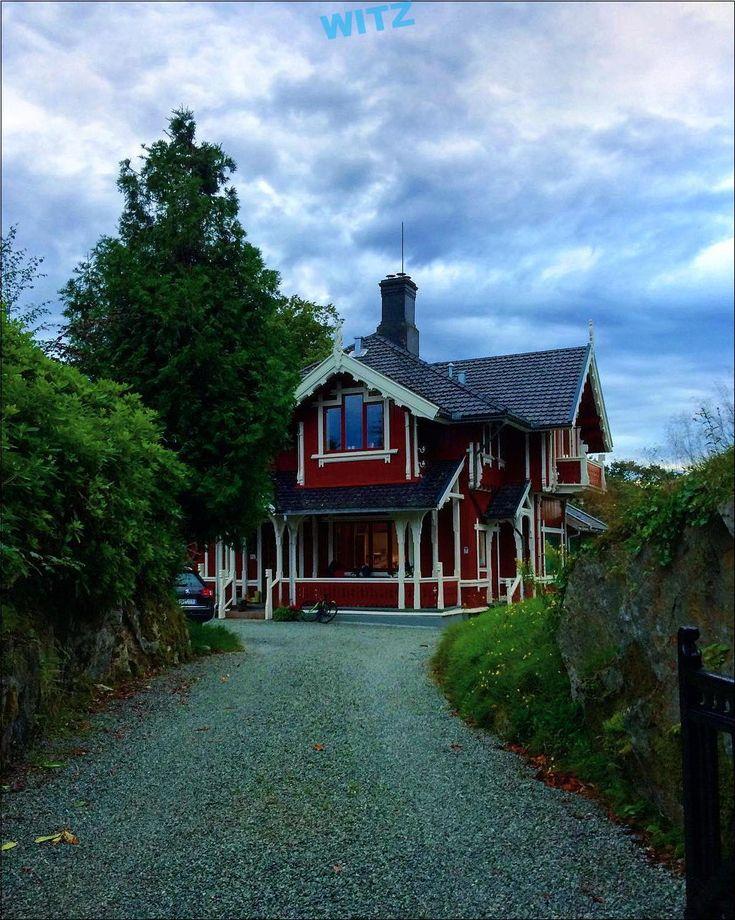 La forêt rouge dans la maison … – #structure #buildings #building #buildin …