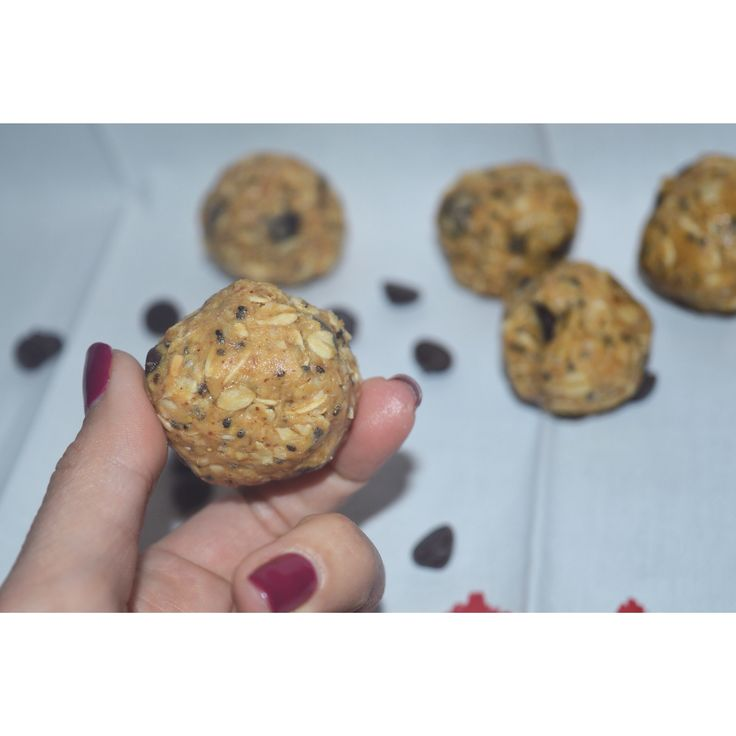 These PB&Chocolate Bliss Balls are gluten-free, vegan, and refined sugar free. They are full of healthy fats, omega 3's, antioxidants and protein. Check out this recipe on smartfuelforyou.con #smartfuel #smartfuelyyc #calgary #yyc #yycfood #glutenfree #organic #vegan #vegetarian #detox #cleanse #mealprep #weightloss #nutrition #healthy #healthyyyc #holistic