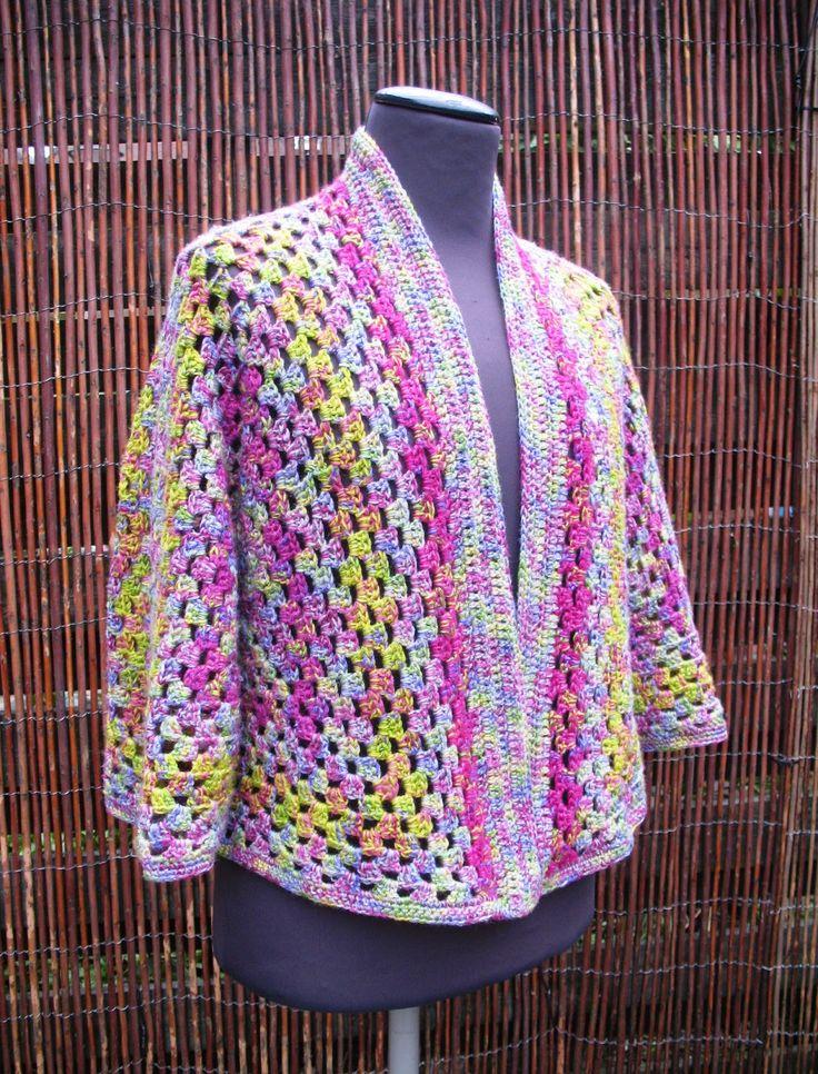 *Granny Square Hexagon Vest* Toen ik het patroon van dit vest tegenkwam vond ik het meteen leuk, het patroon is verrassend eenvoudig ...
