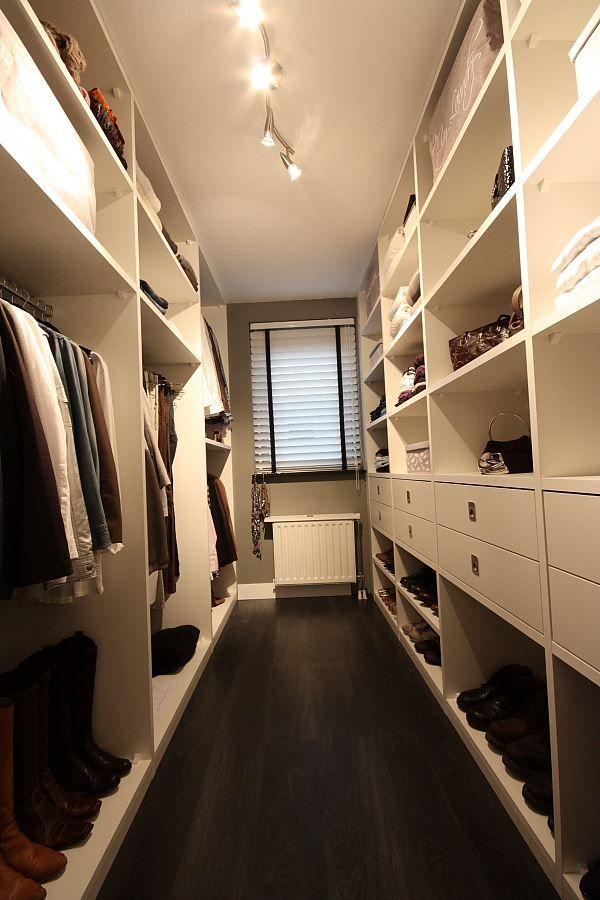 kleine inloopkast / small walk-inn