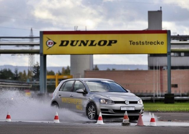 Aquaplaning: Dunlop foi o primeiro fabricante a investigar o fenómeno