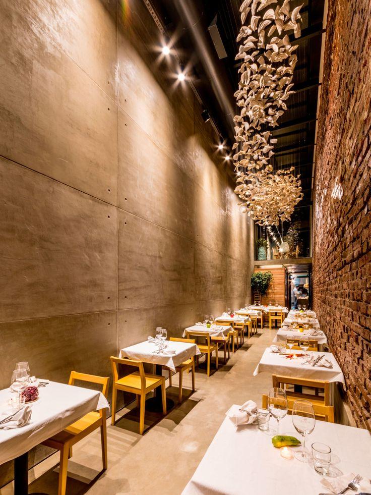 Bedmar & Shi, Gonzalo Viramonte · Restaurant The Papagayo · Divisare