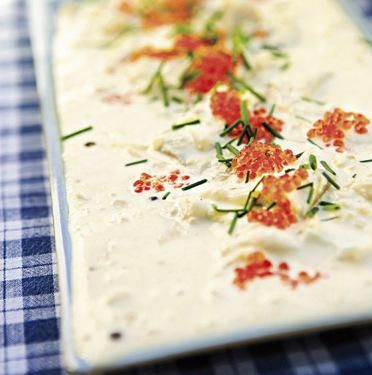 Silli-mätikaviaari maistuu saaristolaisleivän tai uusien perunoiden kanssa. Käytä ohjeen ranskankerman sijasta Crème Bonjouria...