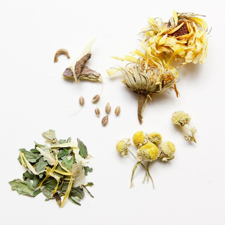 Tisana della leggerezza: Calendula, Camomilla, Anice verde, Menta piperita, Liquirizia, Tiglio. Tisana con funzione digestiva.