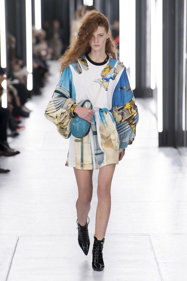 68357acf523e2 Louis Vuitton Spring 2019 Ready-to-Wear Fashion Show trong 2019