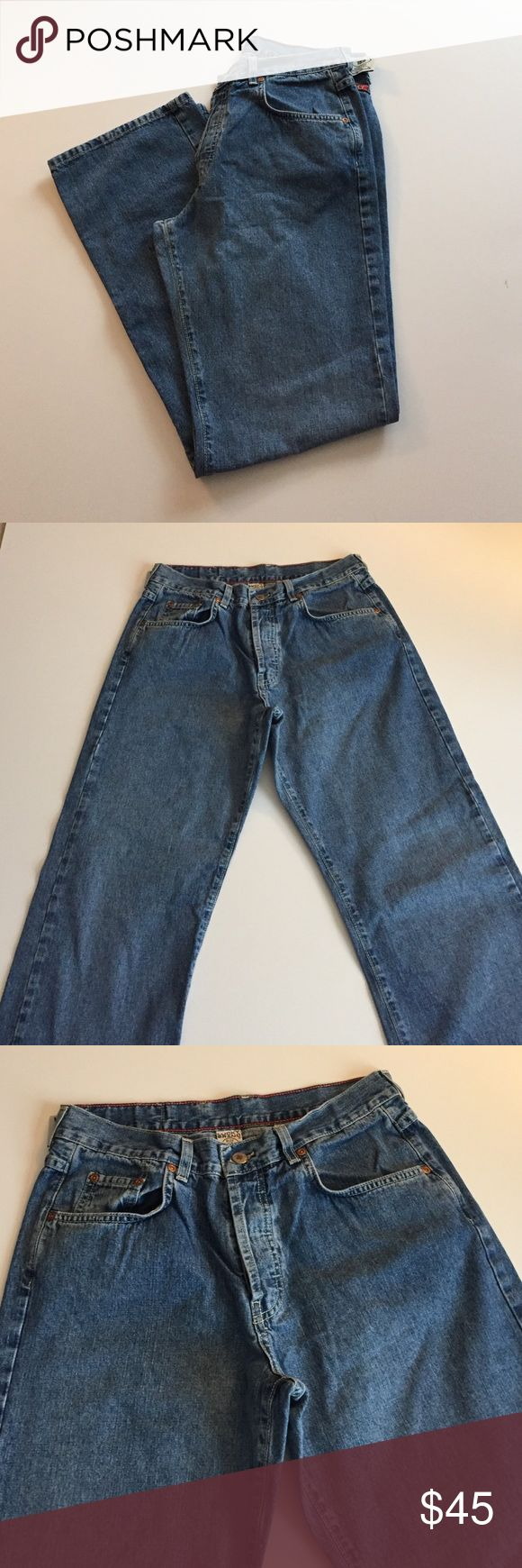 """Lucky Brand Low Rise Bootleg Button Fly Jeans Excellent condition. 100% cotton, size 12/31. 5 pocket, 4 button fly. Inseam 31.5"""", front rise 10.5"""", waist 31"""", leg opening 9"""".  Style 159. Not from a smoke-free house. (22) Lucky Brand Jeans Boot Cut"""