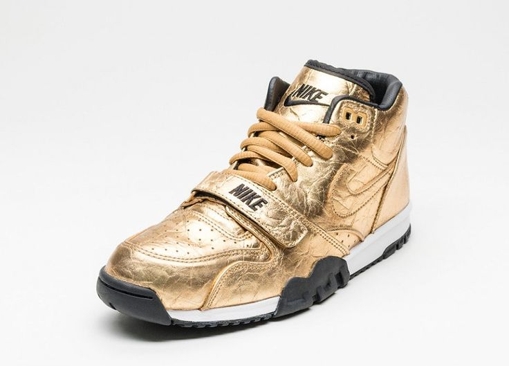 Nike Air Trainer 1 PRM QS NFL *Superbowl* (Metallic Gold / Metallic Gold - Black)
