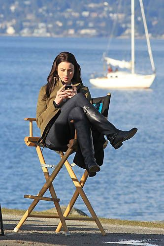 Rachel Nichols puts her feet up and tweets while on break on the set of Continuum Season 2.