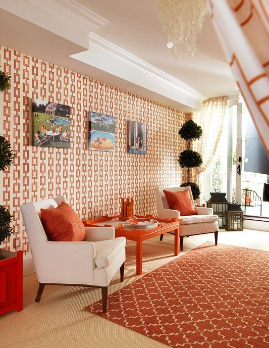 #excll #дизайнинтерьера #решения Яркие цвета, мебель неправильных геометрических форм, абстрактные рисунки на стенах…