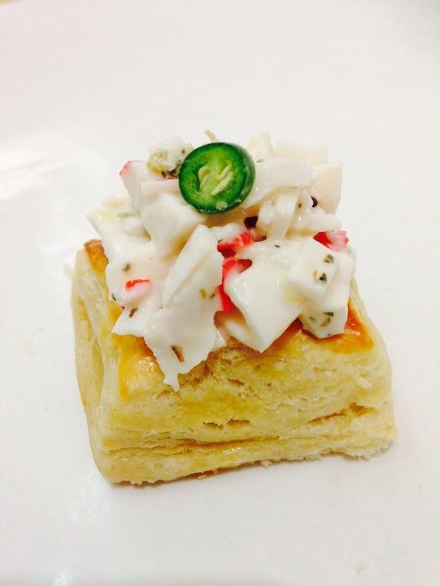 Montadito de surimi y jalapeño