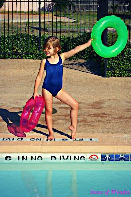 Red Light Green Light Swimming Pool Style Activities And Crafts For Kids Pinterest Green