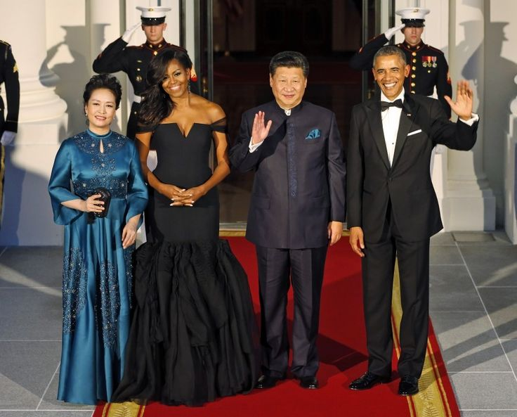 Diplomatic fashion crisis averted: Michelle Obama wears Vera Wang to China state dinner