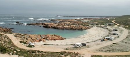Tietiesbaai-kampterrein | Camping right on the waters edge | WegSleep