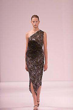 Vera Wang Spring 2000 Ready-to-Wear Collection Slideshow on Style.com