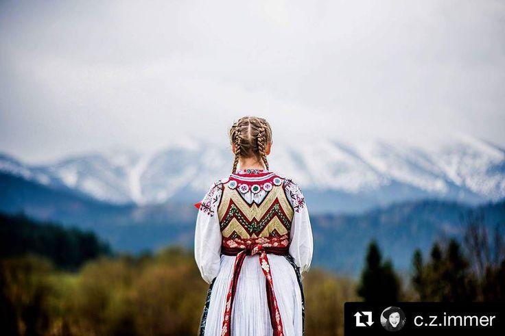 Očarujúca príroda ľudové tradície krásne ženy... Slovensko...  #praveslovenske id @c.z.immer  Slovak folklore costume from Liptovské Revúce. #slovensko #kroj #historia #tradicie #folk #folklore #folklor #slovakia #history #liptov #folkart #folkstyle #ornaments #traditions #traditional #girl #beauty #nature #landscape #mountains #tatramountains #tatry #trees #forest #fashion #folkdress #dress