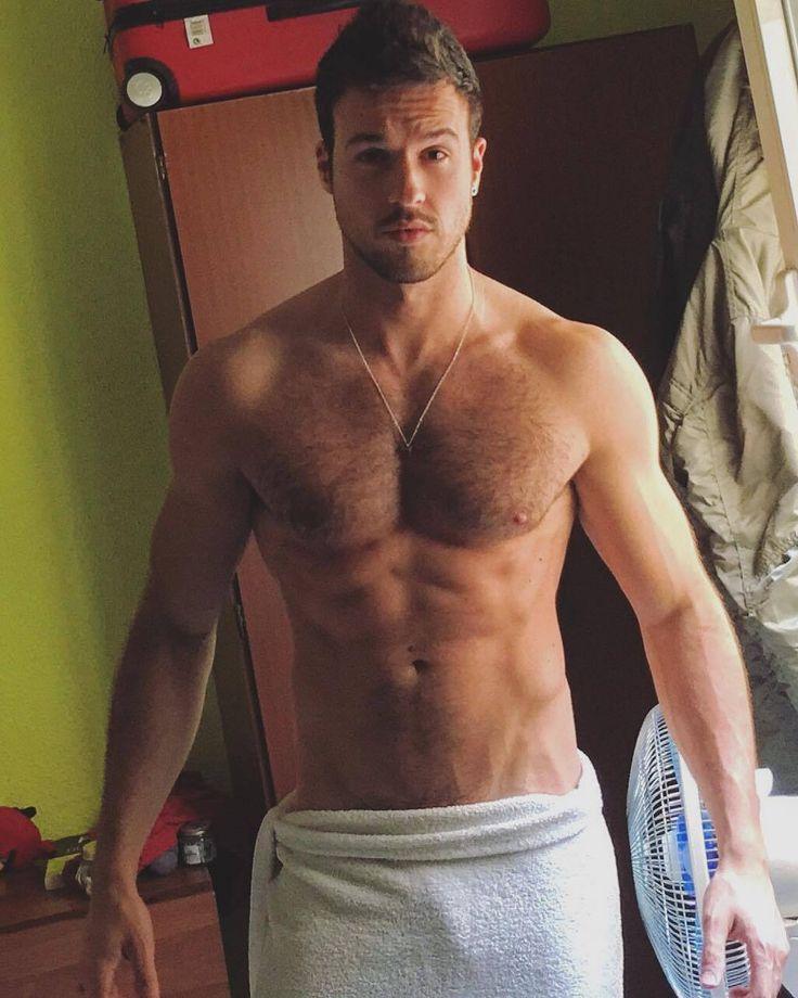 Random towel approach gay