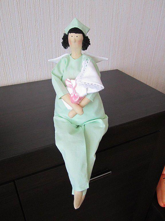 Купить Помощница аиста - тильда, доктор, текстильная кукла, профессия, подарок врачу, врач, мятный ♡