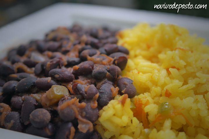 Porotos negros y arroz