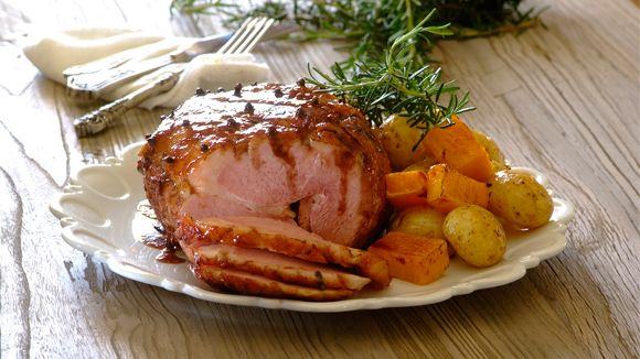This aromatic cinnamon and red wine infused gammon is delicious served hot or cold, if you buy a pre-boiled gammon it will be even easier to prepare!