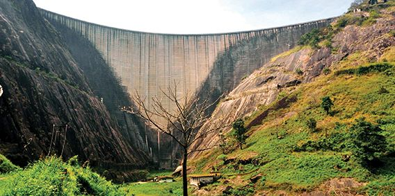 Idukki Arch Dam http://www.visitorkerala.com/idukki-arch-dam.html