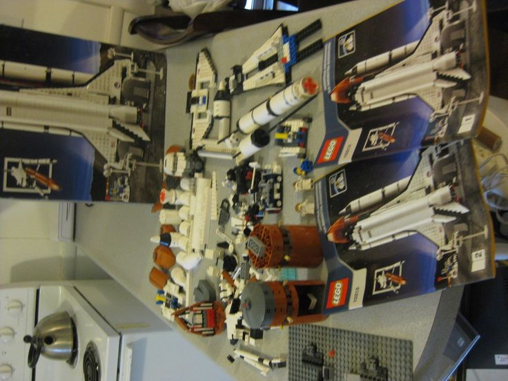 LEGO SPACE SHUTTLE ADVENTURE 10213,IN BOX WITH 2 BOOKLETS,MAY BE MISSING PIECES