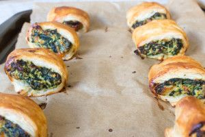 Vegetarian Sausage Rolls - using a spinach and cheese mix these are so tasty and a great alternative to a traditional sausage roll!