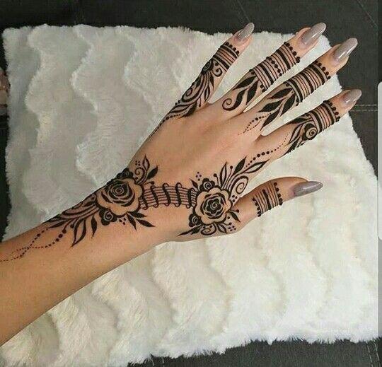 Sweet style henna design