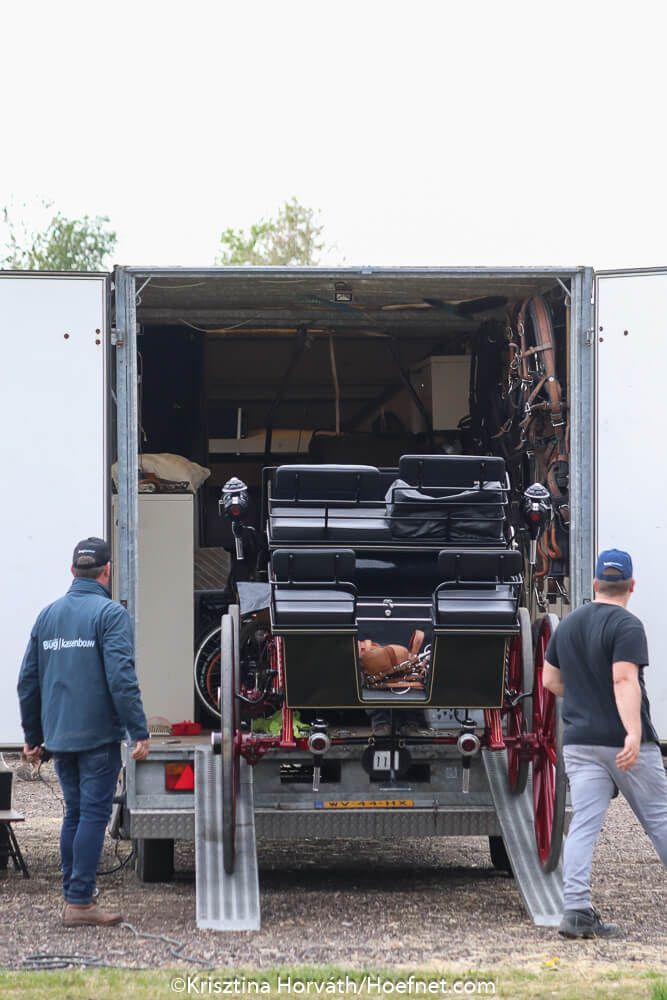 Pin By Steve Talman On Horse Trailer In 2020 Horse Trailer Competitor Apeldoorn