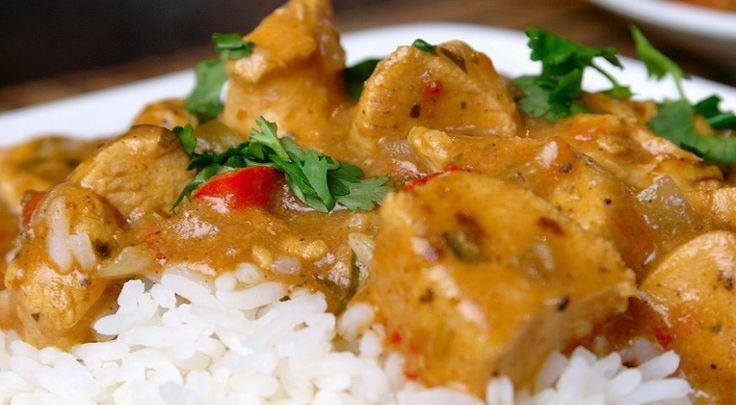 Het voorbereiden van deze curry kost je maar tien minuutjes, de crockpot doet de rest voor je.