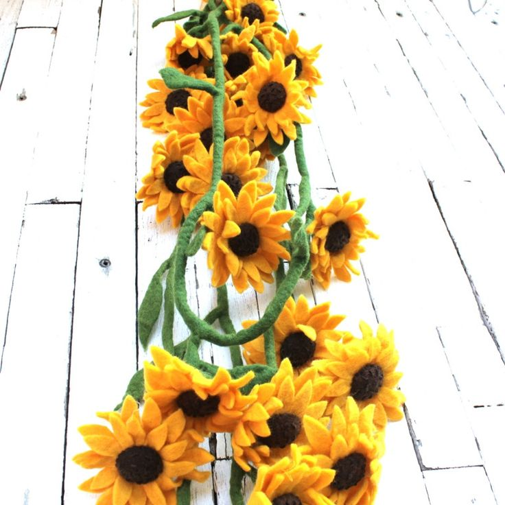 Felt Sunflower Garland | All our felt pieces are handmade by our artisan producers in Nepal