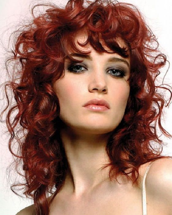 short haircut with bangs best 25 curly medium hairstyles ideas on 9835 | b42f972c36f177cfdb908bf5efbb9835 naturally curly haircuts natural curly hairstyles