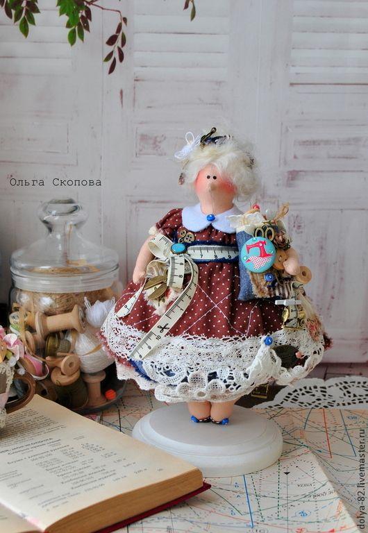 Купить Тильда толстушка швея. - портниха, швея, дизайнер, ткани, хлопок, иголка, катушка деревянная