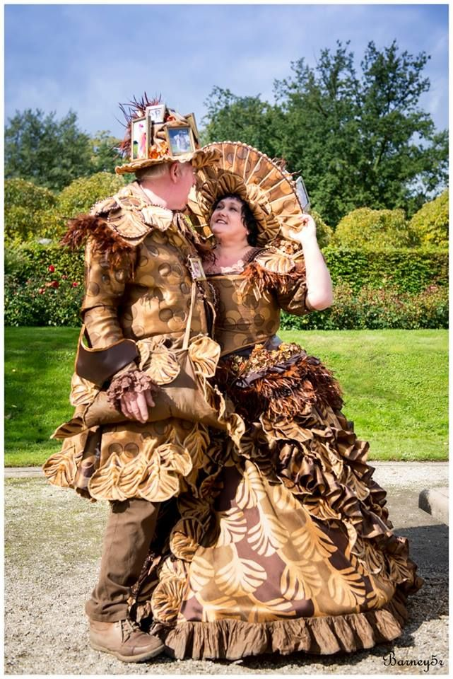 Samen met mijn vriend als scrapbook king and queen steampunk, scrapbook hat, elffantasyfair Corset simplicity 2621