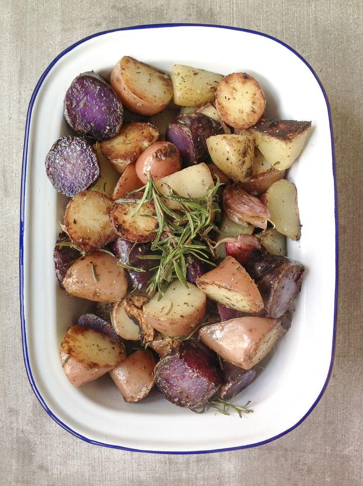 Patatas salteadas con romero y ajo. Receta sencilla, rápida y deliciosa.