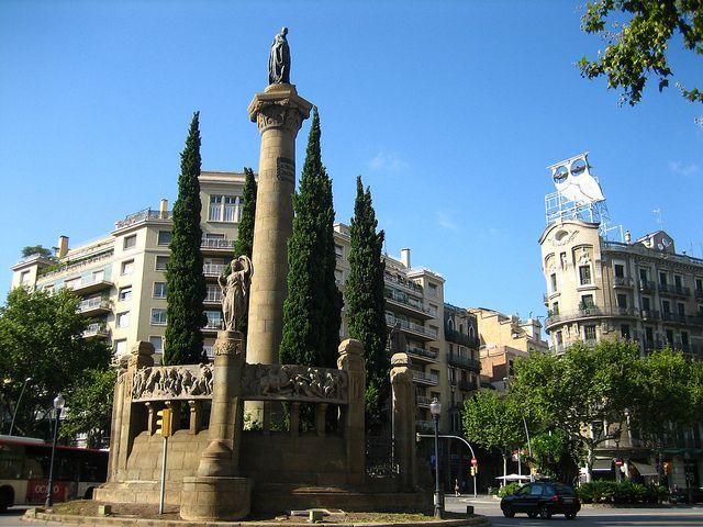 Plaça de Mossèn Jacint Verdaguer by Oh-Barcelona.com, via Flickr