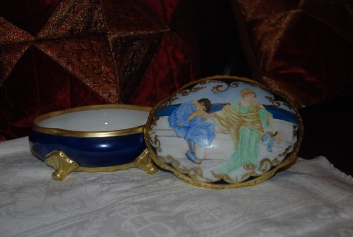Limoges jewelry box hand painted by Sabrina
