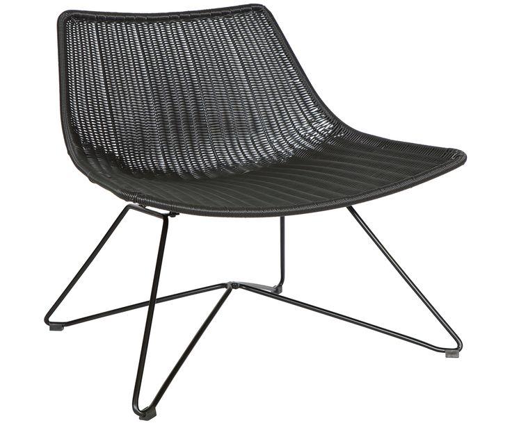 Machen Sie Ihr Wohnzimmer mit dem Sessel Otis in schwarzer Rattan-Optik mit Metall-Beinen zur Wohlfühloase. Entdecken Sie weitere Möbel auf >> WestwingNow.