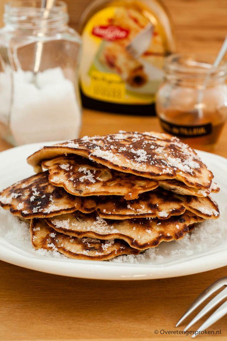 Drie in pan - Kleine, dikke pannenkoekjes die met z'n drieën tegelijk in de koekenpan worden gebakken.
